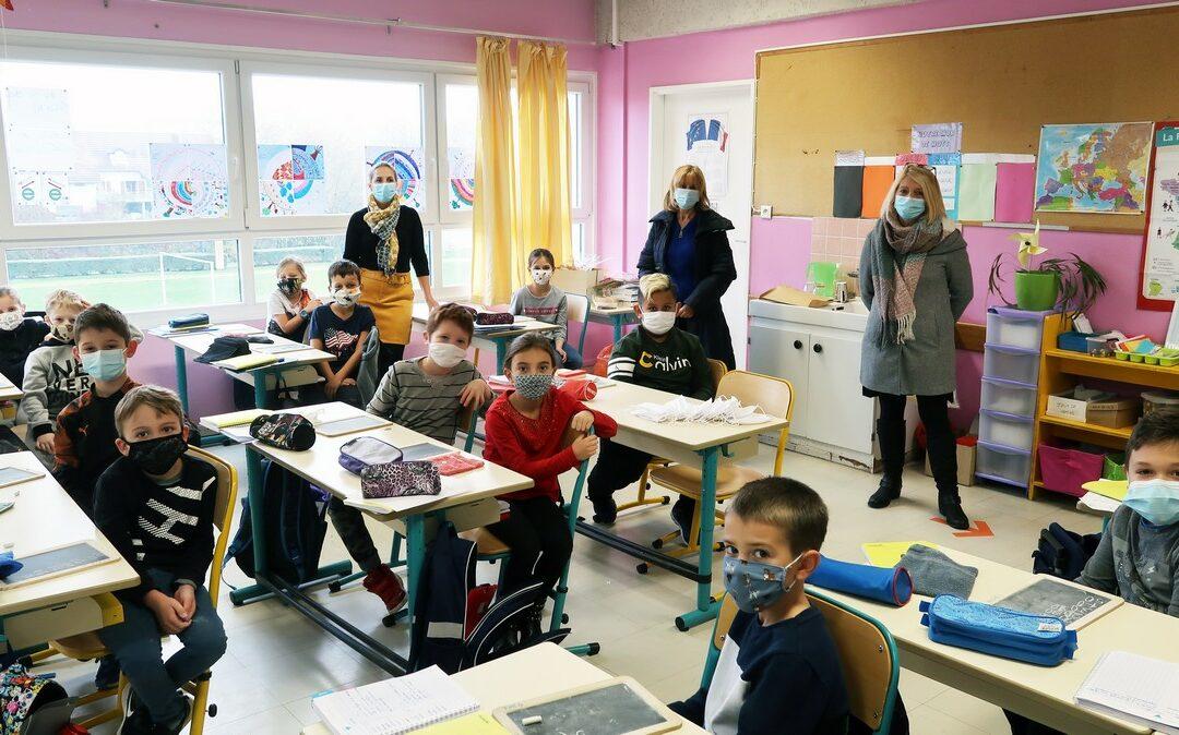 Distribution de masques pour les élèves des écoles primaire du Witz et du Chambourg